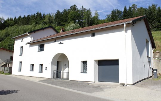 isolation façade enduit blanc aneumenil