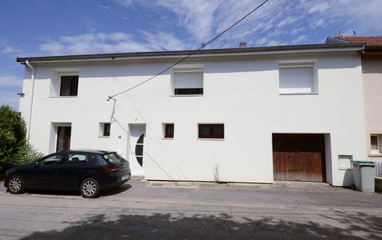 isolation façade enduit blanc igney