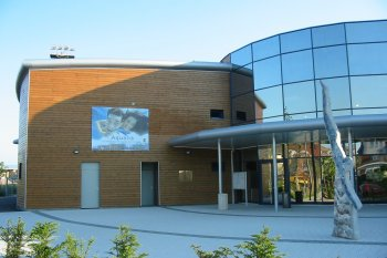 Bové Bardage marron colmar piscine municipale