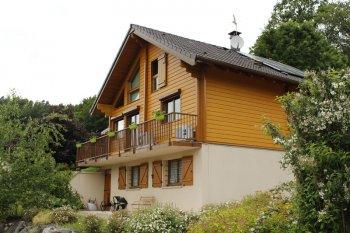 Ravalement Saint-Nabord bardage enduit marron beige clair